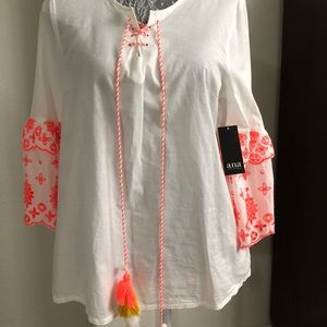 White and pink top JCPenney ANA brand size medium